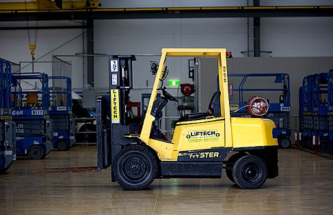 2.5T Container Mast Forklift