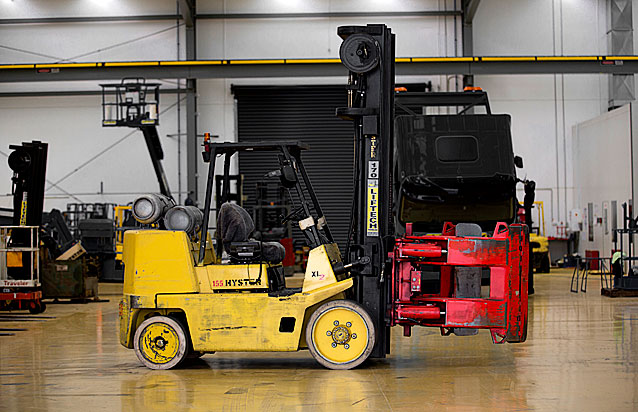 7.0 Roll Grab Forklift